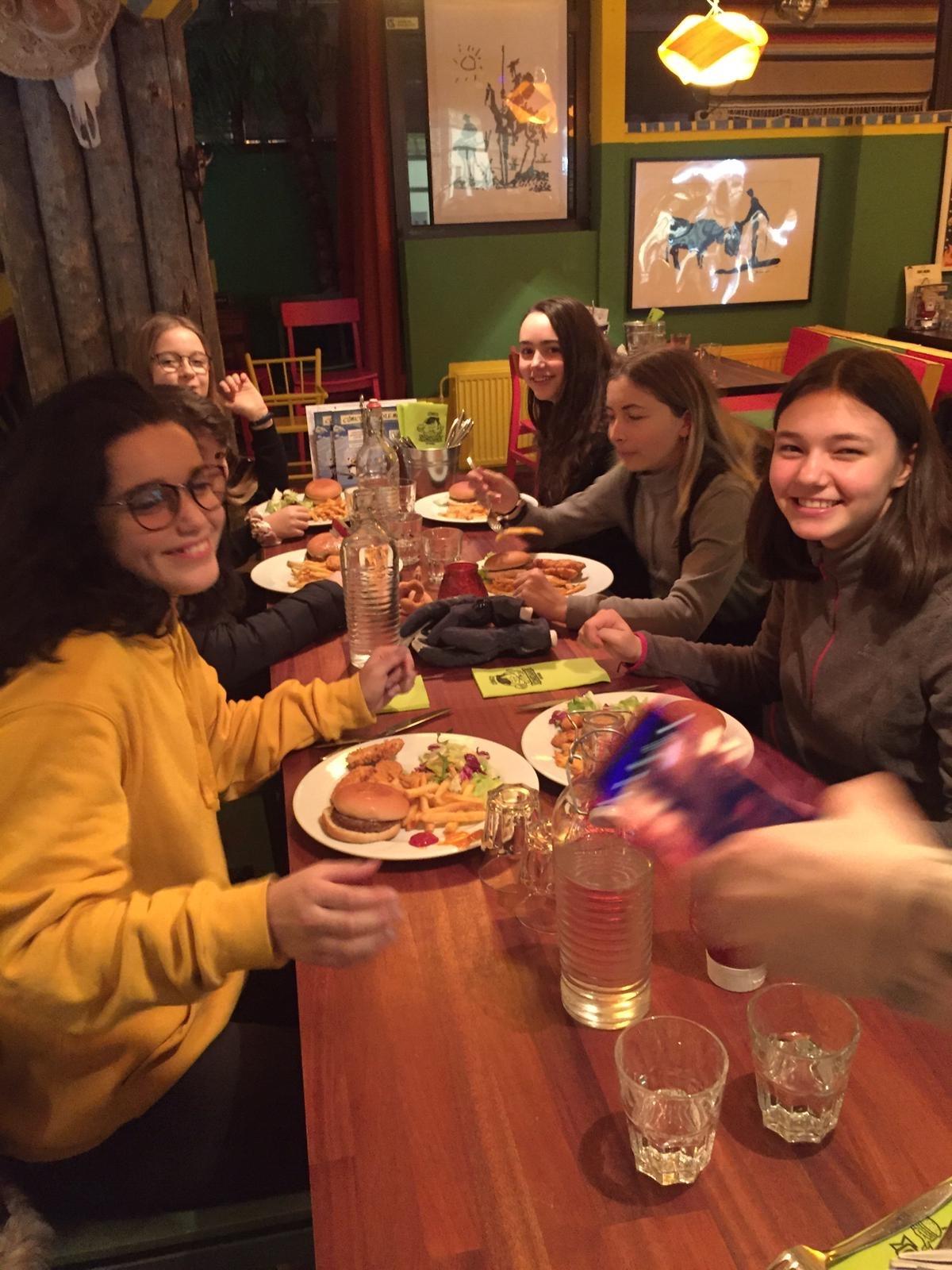 7 bis Au restaurant